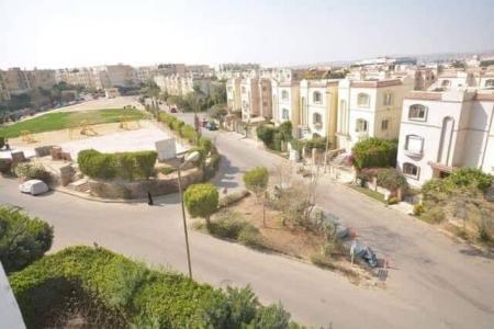 شقة ايجار بكمبوند حدائق المهندسين بالشيخ زايد