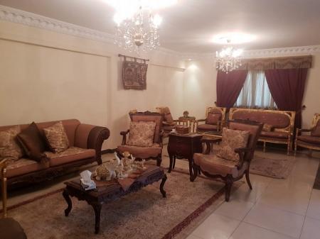 -=بموقع حيوى شقة مفروشة للايجار 1400ج لليوم