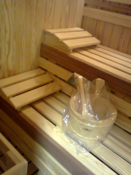 غرفة ساونا من خشب (البيتش باين)