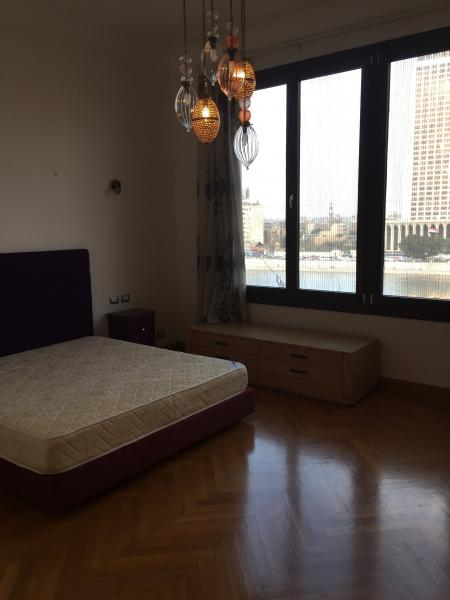 Apartment 220m overlooking Nile for rent in Zamalek